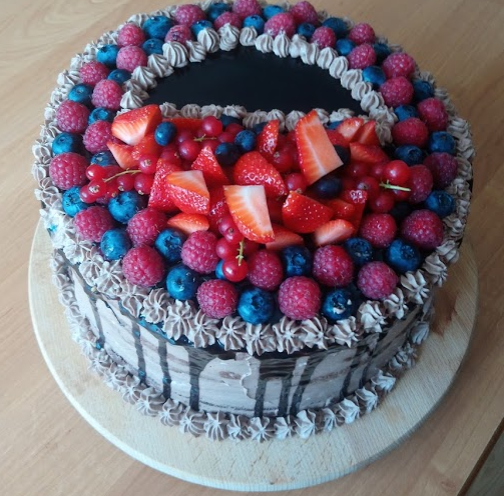 Tort Z Owocami I Dripem CzekoladowymPauliny